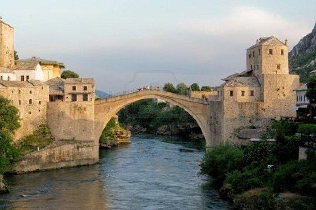 9730655-pont-de-mostar--bosnie-herz-govine