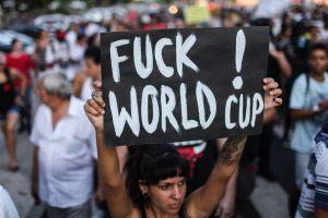 PROTESTAS EN BRASIL CONTRA EL MUNDIAL TERMINAN CON ACTOS DE VIOLENCIA